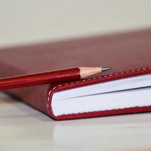 notebook-1939358_1280